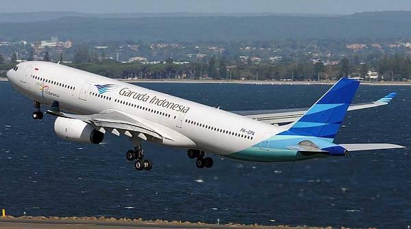 https: img.okezone.com content 2019 01 28 337 2010500 penjelasan-garuda-soal-pesawatnya-kembali-ke-bandara-soetta-usai-ada-bau-terbakar-5ZAjQx0FhC.jpg