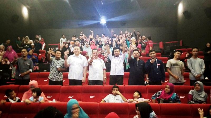 Perkuat Soliditas, Caleg Perindo Nonton Bareng Film ...
