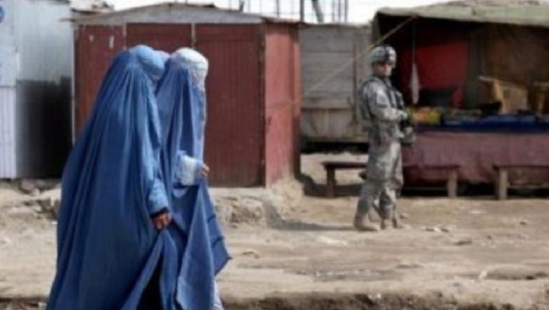 https: img.okezone.com content 2019 01 30 18 2011204 pria-afghanistan-enggan-perempuan-di-negaranya-lebih-bebas-whE6I7tmix.jpg