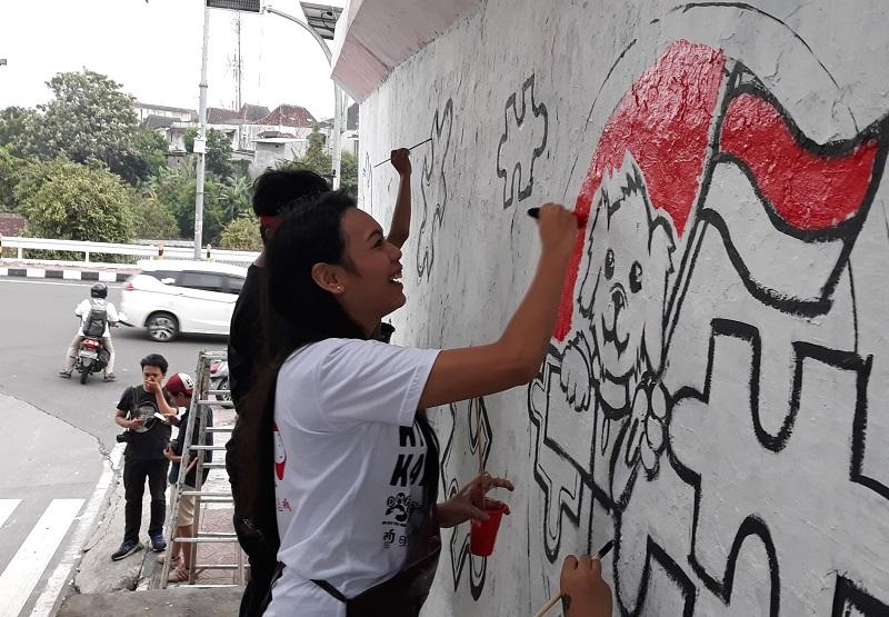 https: img.okezone.com content 2019 01 30 298 2011645 lukis-mural-miss-indonesia-2018-alya-nurshabrina-ikut-kampanyekan-stop-konsumsi-daging-anjing-mqcdLcodLF.jpg
