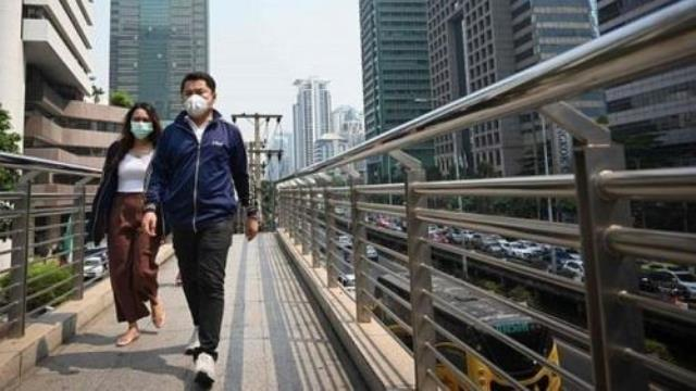 https: img.okezone.com content 2019 02 01 18 2012572 imbas-kabut-beracun-warga-bangkok-mulai-batuk-darah-tHzNj7TeDj.jpg