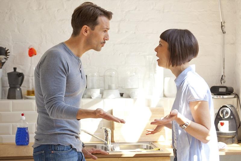 https: img.okezone.com content 2019 02 01 196 2012315 pacarmu-selalu-mengulang-kesalahan-yang-sama-bagaimana-menyikapinya-9PGRzgV5jK.jpg