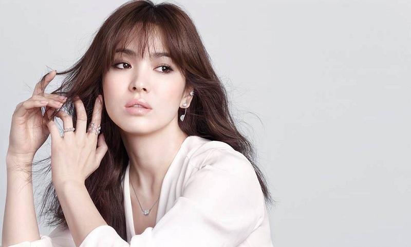https: img.okezone.com content 2019 02 01 33 2012443 tampilan-baru-song-hye-kyo-ini-buat-netizen-terkesima-Ylaa5HNSnu.jpg