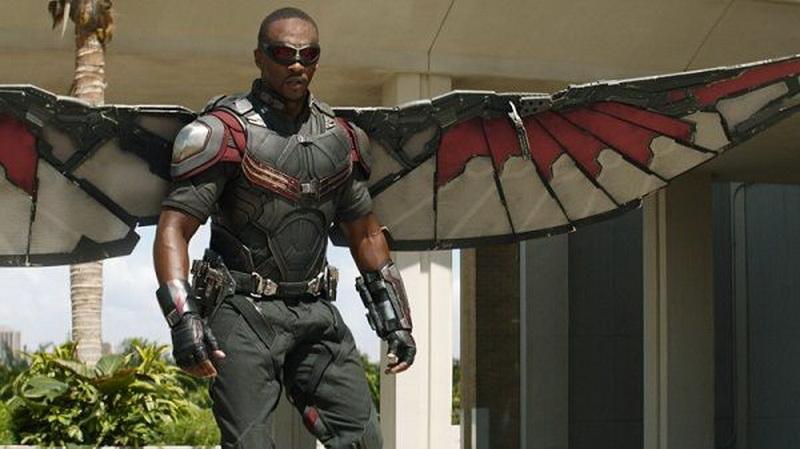 https: img.okezone.com content 2019 02 03 206 2013171 falcon-mati-di-avengers-anthony-mackie-nganggur-T6m0cv4nXr.jpg