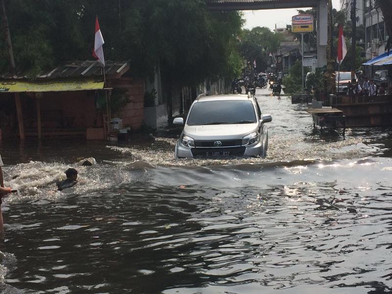 Hasil gambar untuk banjir jakarta hari ini