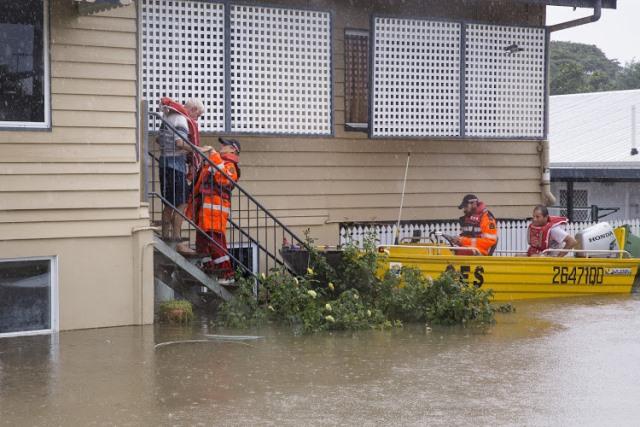 https: img.okezone.com content 2019 02 04 18 2013638 banyak-buaya-hanyut-imbas-banjir-australia-kerahkan-militer-h5Yo1Jn2xj.jpg