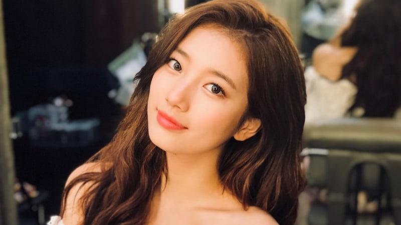 https: img.okezone.com content 2019 02 07 194 2015066 twice-hingga-yoona-snsd-idol-kpop-tercantik-versi-awak-media-korsel-ZP3i52TP0f.jpg