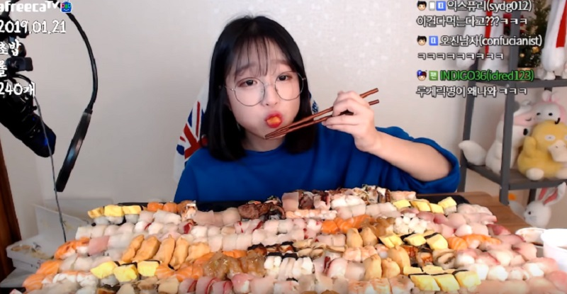 240 Potong Sushi Ludes Dilahap Cewek Cantik Asal Korea, Begah Lihatnya! :  Okezone Lifestyle