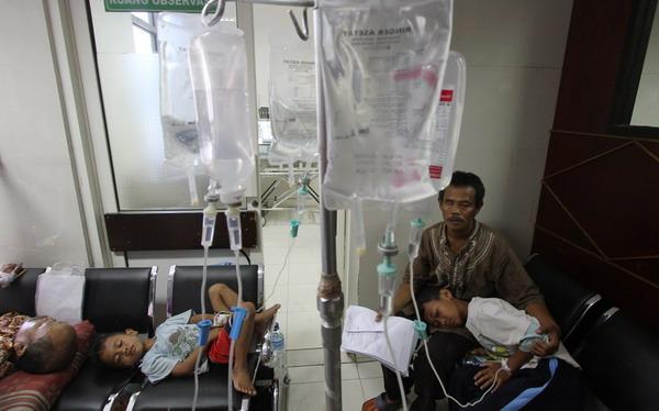 https: img.okezone.com content 2019 02 07 340 2014710 pasien-dbd-di-kupang-tidak-dijamin-bpjs-BhNlUJF6WI.jpg