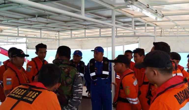 https: img.okezone.com content 2019 02 08 340 2015559 2-wni-korban-tabrakan-tugboat-koi-3-ditemukan-tewas-TOWvBki897.jpg