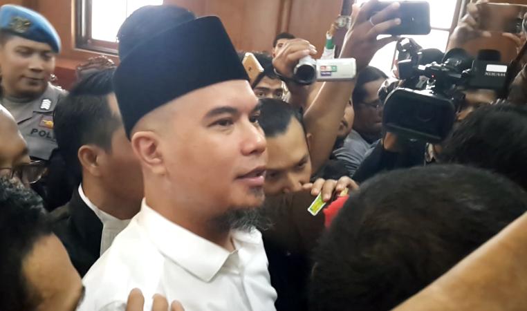 Ahmad Dhani Bacakan Eksepsi Saat Sidang Kasus Pencemaran