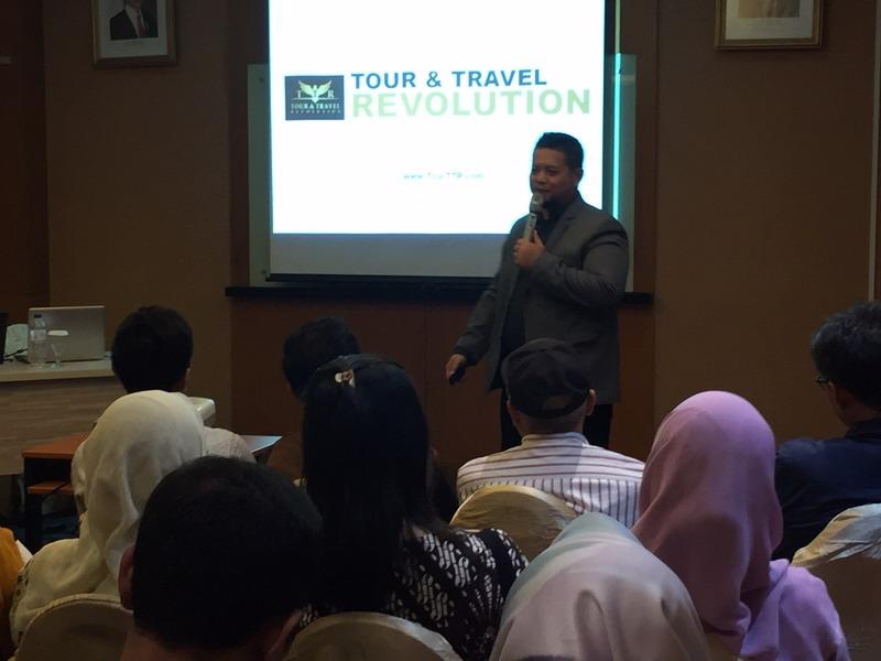 https: img.okezone.com content 2019 02 13 1 2017528 tour-and-travel-revolution-ajak-masyarakat-jadi-pengusaha-tour-travel-hampir-tanpa-modal-vMBwUzDjCS.jpg