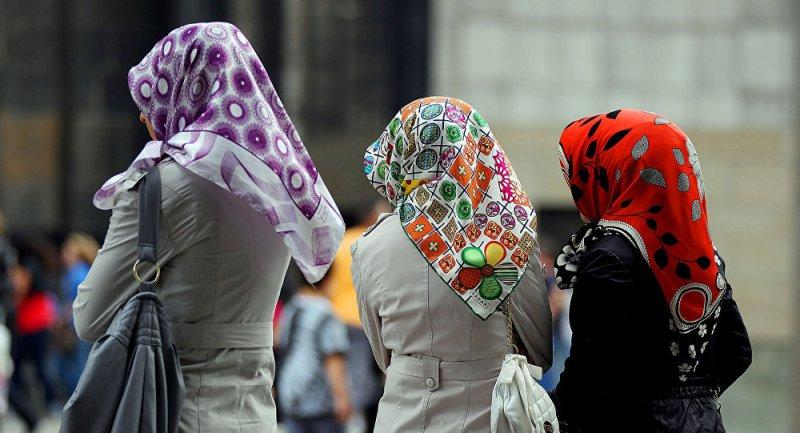 https: img.okezone.com content 2019 02 13 18 2017453 dua-mahasiswi-indonesia-diserang-di-australia-diduga-karena-mengenakan-jilbab-m2MQjbGuRq.jpg