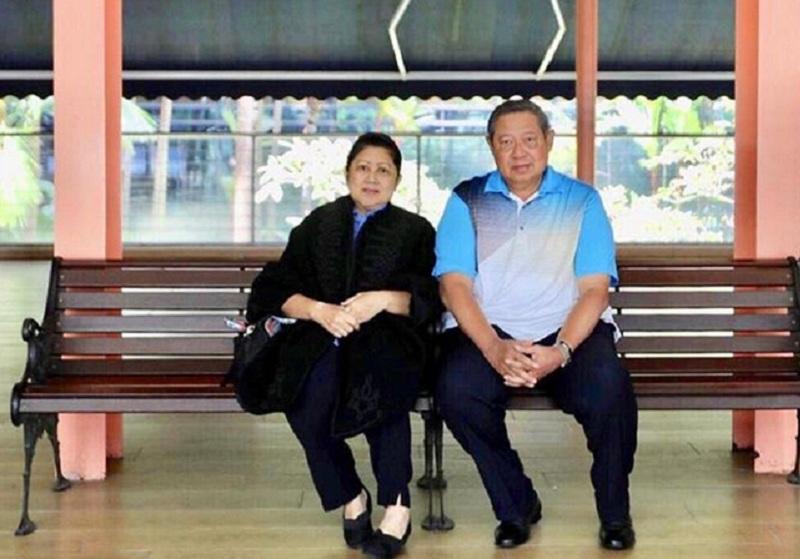 https: img.okezone.com content 2019 02 13 337 2017274 didatangi-dokter-kepresidenan-kondisi-ani-yudhoyono-dinilai-stabil-oAkIQHNZ0v.jpg