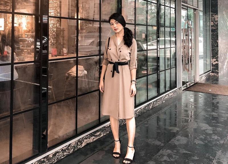 https: img.okezone.com content 2019 02 14 194 2017772 5-ootd-cantik-elisa-jonathan-finalis-miss-indonesia-2019-yang-ternyata-pacarnya-anak-ahok-RM2SOZ6qnc.jpg