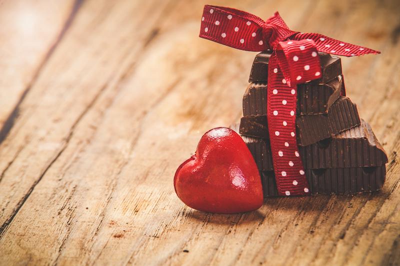 https: img.okezone.com content 2019 02 14 196 2017779 viral-valentine-bukan-budaya-kita-jawaban-netizen-bikin-sakit-perut-3m53k5jeI9.jpg