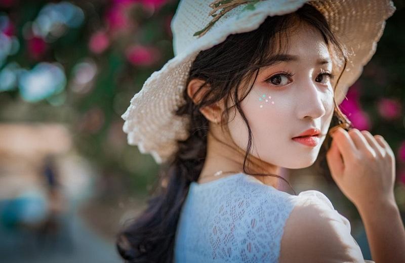https: img.okezone.com content 2019 02 15 194 2018431 kulit-putih-jadi-standar-kecantikan-perempuan-asia-BWEfCjDCIh.jpg