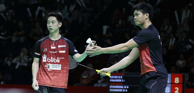 https: img.okezone.com content 2019 02 18 40 2019713 kevin-sanjaya-dkk-raih-kemenangan-perdana-di-superliga-badminton-2019-DHO8g4x4F7.jpg