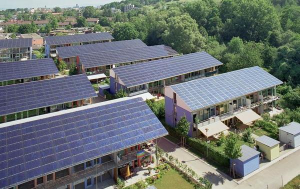 https: img.okezone.com content 2019 02 19 320 2020006 kelebihan-daya-konsumen-bisa-jual-listrik-panel-surya-ke-pln-DsJyFQc6Lt.jpg
