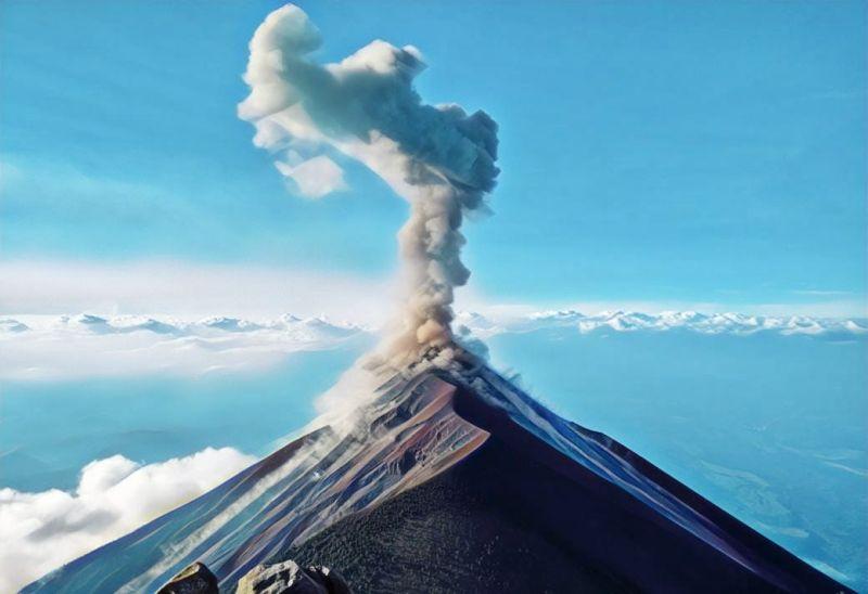 https: img.okezone.com content 2019 02 19 519 2020038 kondisi-gunung-bromo-masih-dalam-keadaan-normal-dan-kondusif-150H1xh4Hd.jpg