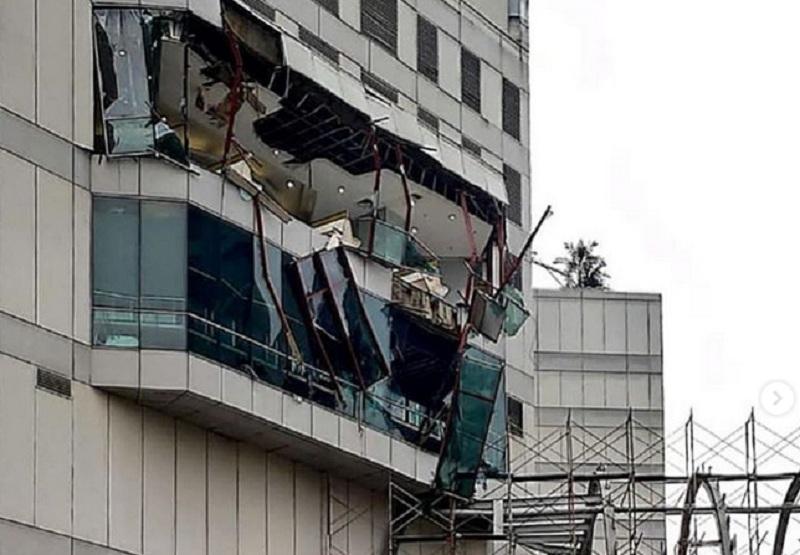 Ada Ledakan Di Mal Taman Anggrek Sebagian Sisi Gedung Porak
