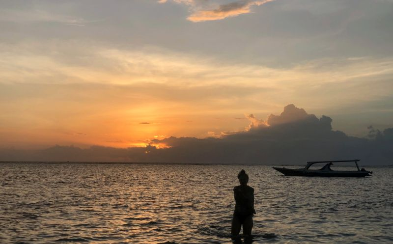https: img.okezone.com content 2019 02 20 612 2020394 lombok-riwayatmu-kini-kisah-perjuangan-warga-lombok-pasca-gempa-28G0dzoaCs.jpg