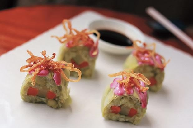 https: img.okezone.com content 2019 02 21 298 2021133 bukan-jepang-sushi-cantik-ini-dari-italia-Pa29UGOCAa.jpg