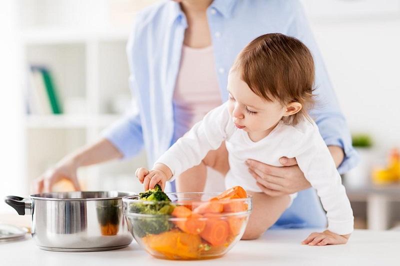 https: img.okezone.com content 2019 02 22 481 2021672 mau-otak-anak-pintar-jangan-lupa-beri-asupan-makanan-ini-moms-YvoWFRDwKi.jpg