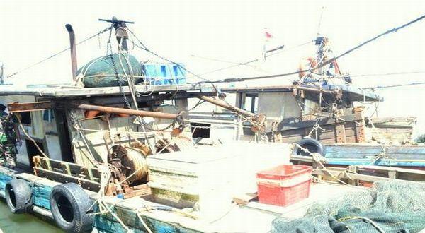 https: img.okezone.com content 2019 02 25 337 2022682 pemerintah-tangkap-4-kapal-vietnam-pencuri-ikan-di-laut-natuna-menteri-susi-geregetan-Zx5WDlOtt8.jpg