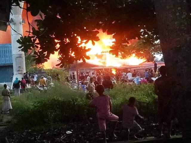 https: img.okezone.com content 2019 02 26 340 2023170 dilanda-kebakaran-700-warga-assue-mappi-kehilangan-tempat-tinggal-cRoZtb0LvQ.jpeg