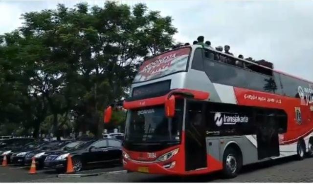 https: img.okezone.com content 2019 02 28 338 2023848 pemprov-dki-pinjamkan-bus-double-decker-untuk-konvoi-timnas-u-22-4XGZLxGDtS.jpeg