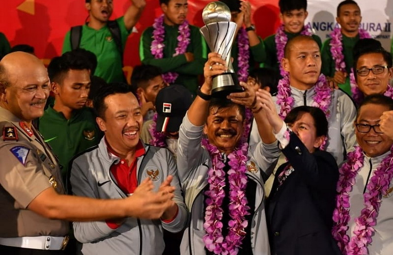 https: img.okezone.com content 2019 02 28 51 2023984 apresiasi-tinggi-menpora-atas-gelar-juara-timnas-indonesia-u-22-di-piala-aff-2019-D2xlDbsV81.jpg