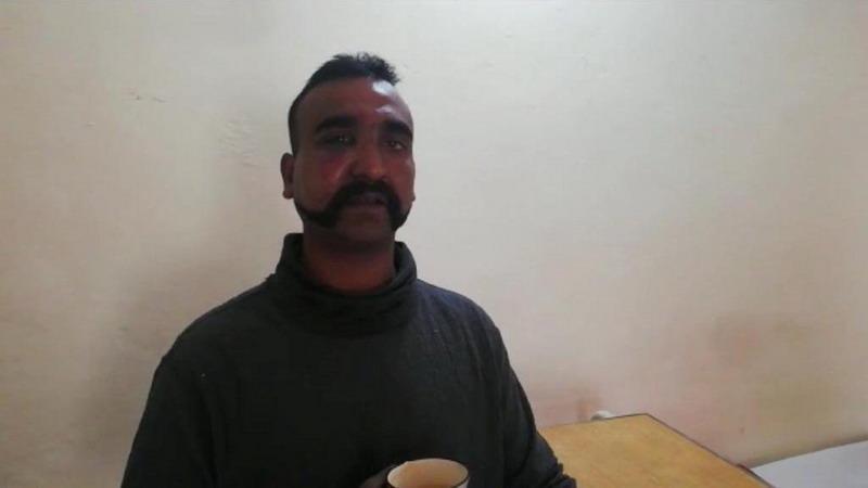 https: img.okezone.com content 2019 03 01 18 2024410 isyaratkan-ingin-berdamai-pakistan-akan-kembalikan-pilot-india-yang-ditangkap-zdQb2ku1wf.jpg