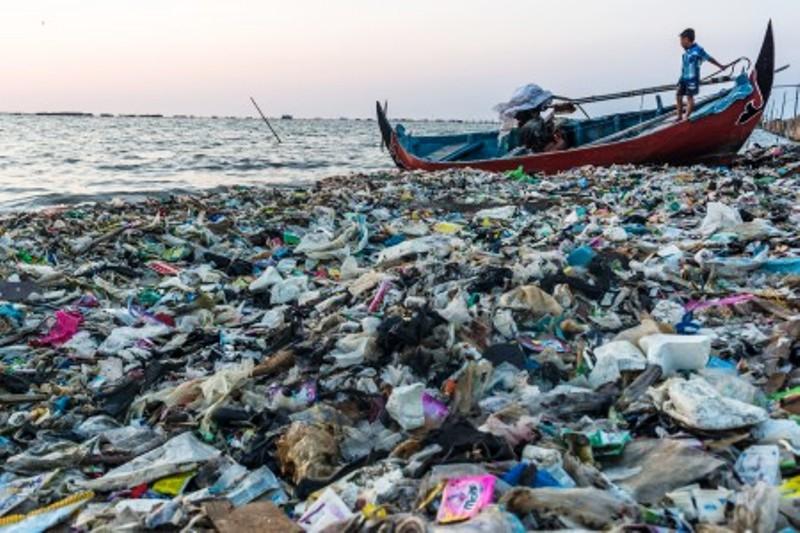 https: img.okezone.com content 2019 03 01 337 2024707 pemerintah-akan-pelototi-pencemaran-laut-di-9-provinsi-r2Oa9Z3k6r.jpg