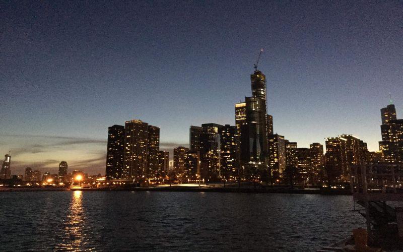 https: img.okezone.com content 2019 03 01 406 2024442 berencana-liburan-ke-chicago-4-tempat-ini-harus-masuk-list-wajib-dikunjungi-hj2r3CPB83.jpg