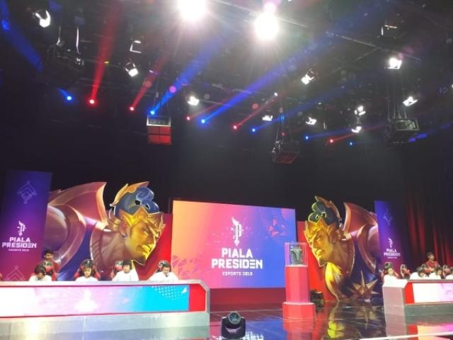 https: img.okezone.com content 2019 03 02 326 2024982 piala-presiden-esports-2019-cetak-juara-regional-pontianak-PyS8fQO3Lb.jpg