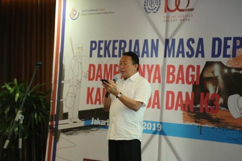 https: img.okezone.com content 2019 03 04 1 2025630 kemenaker-beberkan-tiga-cara-tingkatkan-kualitas-sdm-indonesia-drPwcHxl1z.jpg