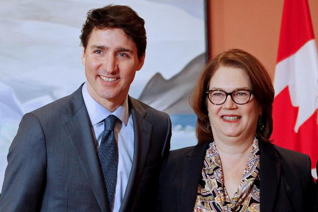 https: img.okezone.com content 2019 03 05 18 2026027 tak-percaya-cara-pemerintah-atasi-skandal-suap-menteri-keuangan-kanada-berhenti-aHO9PChAAD.jpg