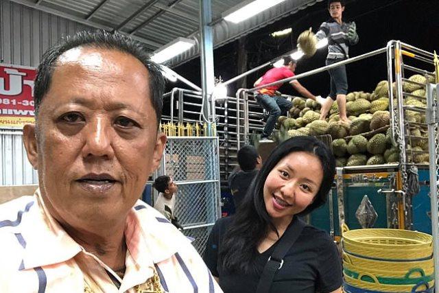 https: img.okezone.com content 2019 03 05 18 2026204 petani-durian-di-thailand-tawarkan-rp4-miliar-beserta-tanah-bagi-pria-yang-ingin-menikahi-anaknya-fq0gczMXOO.jpg