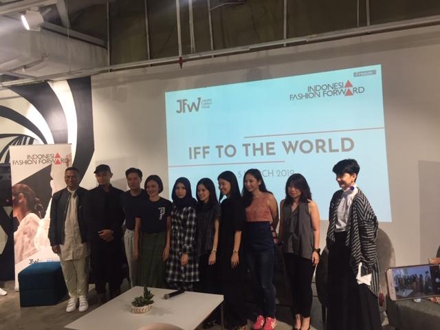 https: img.okezone.com content 2019 03 05 194 2026230 indonesia-fashion-foward-kembali-pamer-karya-di-panggung-lnternasional-HaIeqqoz09.jpeg