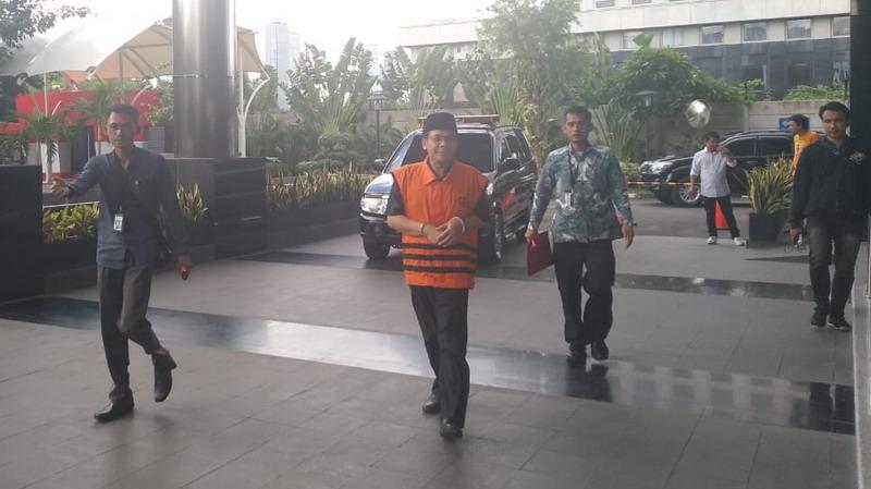 https: img.okezone.com content 2019 03 05 337 2026169 mantan-pimpinan-dpr-taufik-kurniawan-segera-disidang-terkait-suap-dak-kebumen-en9DYMMf7d.jpg