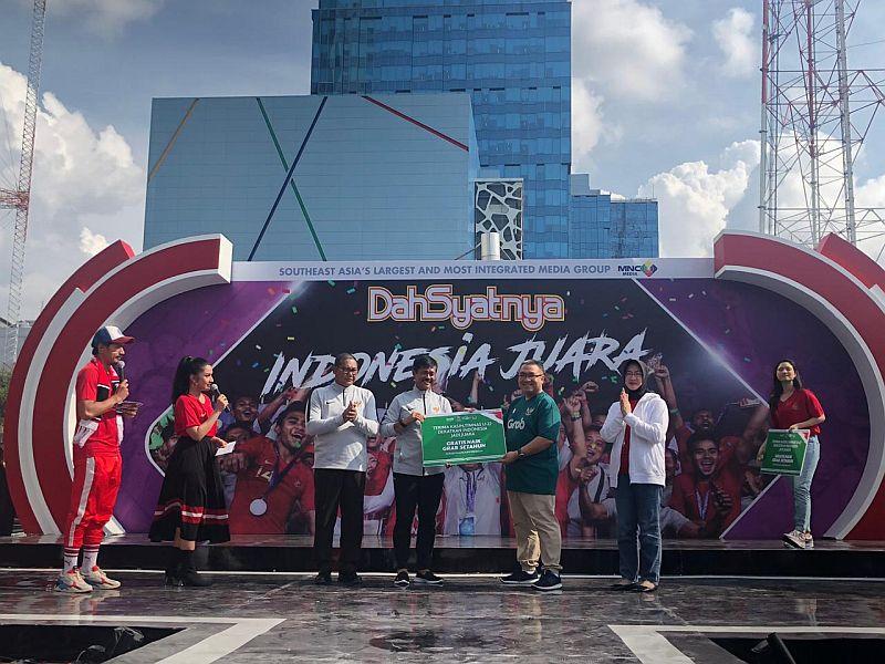 https: img.okezone.com content 2019 03 05 51 2026127 juara-piala-aff-timnas-indonesia-u-22-dapat-hadiah-dari-grab-7VJ5ikdtG7.jpg