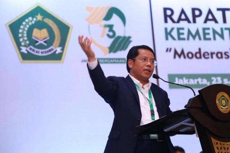 https: img.okezone.com content 2019 03 06 337 2026393 kemenag-indonesia-negara-religius-mustahil-pelajaran-agama-akan-dihapus-WJHIyIqIF9.jpg