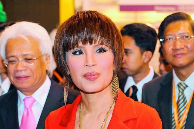 https: img.okezone.com content 2019 03 07 18 2027107 partai-politik-yang-mencalonkan-kakak-raja-thailand-sebagai-perdana-menteri-dibubarkan-y0sRZa3ejv.jpeg