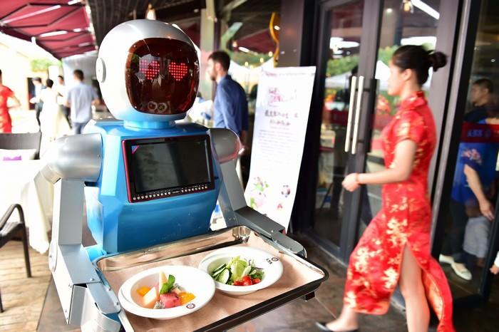 https: img.okezone.com content 2019 03 07 612 2026990 diganti-robot-10-pekerjaan-diprediksi-akan-hilang-profesi-anda-termasuk-o2XcJhHwj7.jpg
