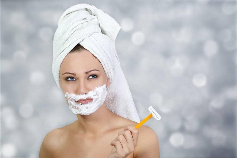 https: img.okezone.com content 2019 03 09 611 2027783 cukur-kumis-dan-bulu-di-wajah-bebas-luka-untuk-wanita-ini-5-tipsnya-aFeBp8Y5yE.jpg
