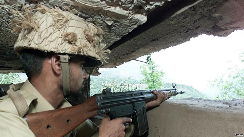 https: img.okezone.com content 2019 03 11 18 2028687 pasukan-pakistan-india-baku-tembak-1-warga-sipil-tewas-tYG1WeWlRK.jpg