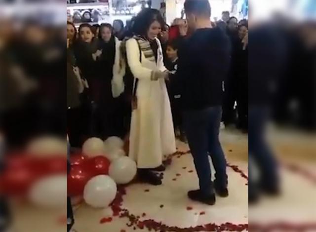 https: img.okezone.com content 2019 03 12 18 2028889 lamar-kekasih-di-mal-sejoli-asal-iran-ditangkap-polisi-ihioYiSJAg.jpg