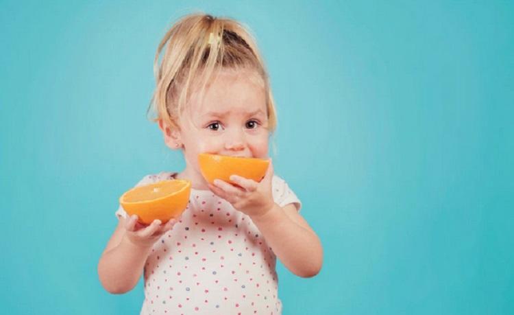 https: img.okezone.com content 2019 03 12 481 2028971 jangan-salah-pilih-ini-3-vitamin-penting-untuk-tumbuh-kembang-anak-5bn10xDd55.jpg