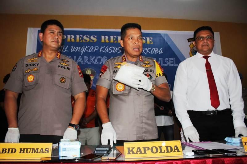 https: img.okezone.com content 2019 03 14 609 2030046 sindikat-narkoba-internasional-punya-jalur-baru-masuk-ke-indonesia-lewat-palu-RZJRyVIh5y.jpg